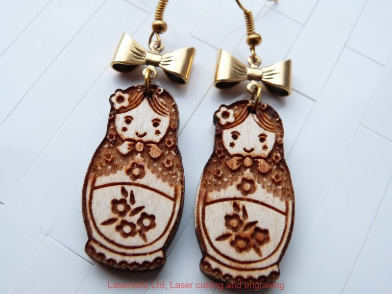 Wood earrings - Babushka doll